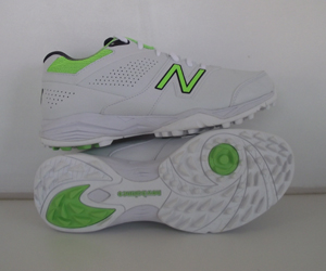 New Balance Rubber Cricket Shoes Mens